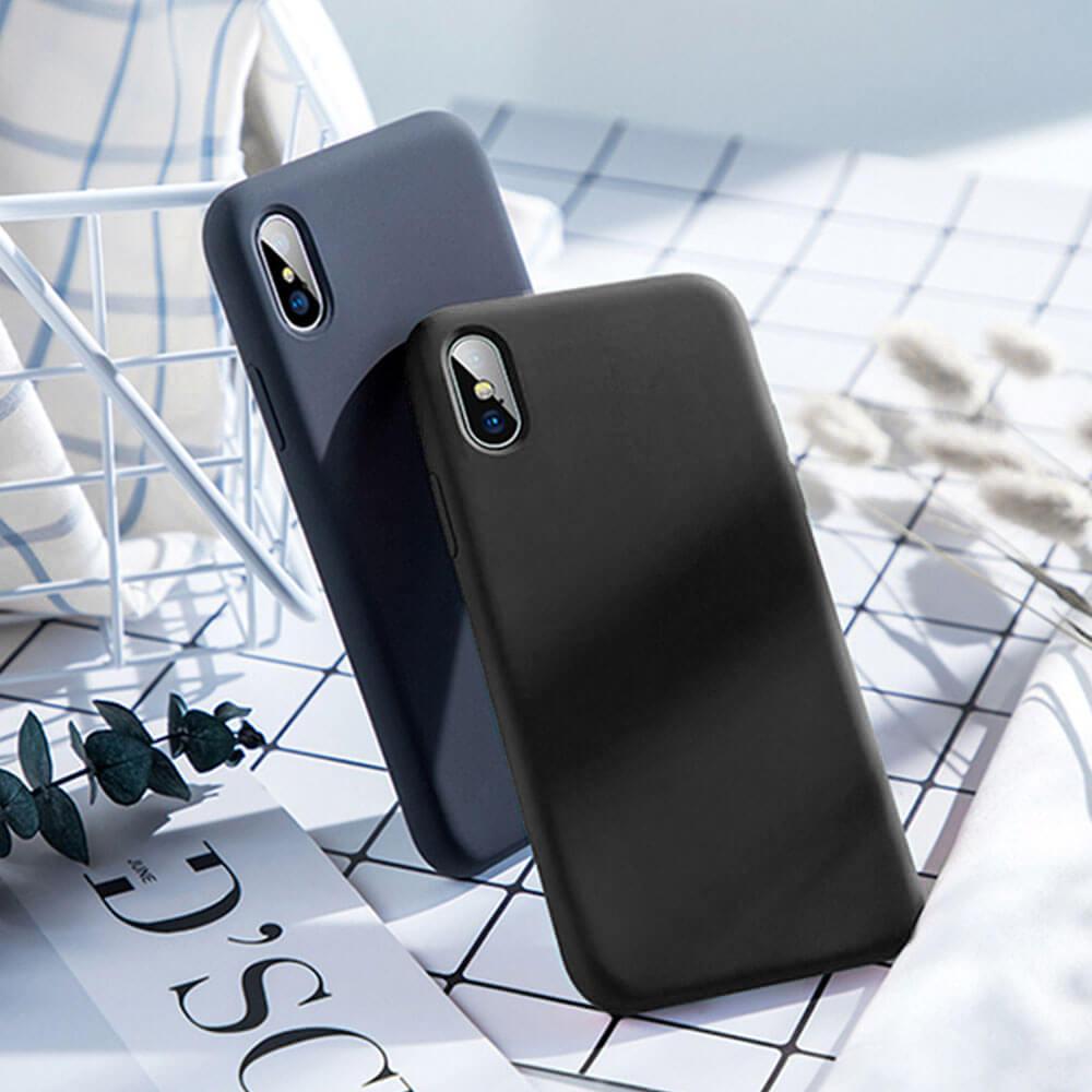 IPHONE 11 SILICONE CASE – BLACK